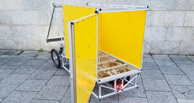 XYZ CARGO FOURWHEELER with cargo box